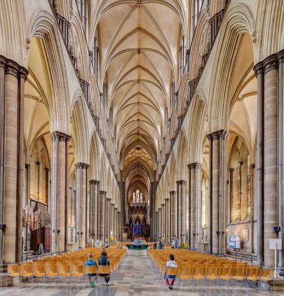 Catedral_de_Salisbury,_Salisbury,_Inglaterra,_2014-08-12,_DD_08-10_HDR